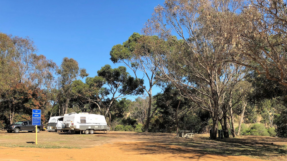 Boddington Memorial Park RV Camping Logo